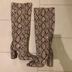 Zara snakeskin boot size 40 Brand New